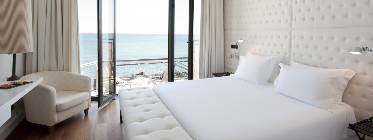 Farol design hotel cascais portugal mr mrs smith for Design hotel algarve