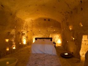 Grotta Suite (Cave Suite)