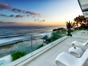 Four Bedroom Grand Cliff-Front Residence