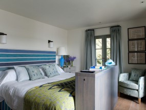 Two-Bedroom Family Suite in Rock Cottage