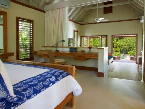 One-Bedroom Lagoon Villa