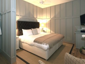 Superior House Room with Bath