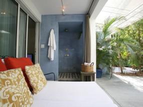 Garden Outdoor Shower Suite