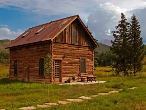Tipping Cabin